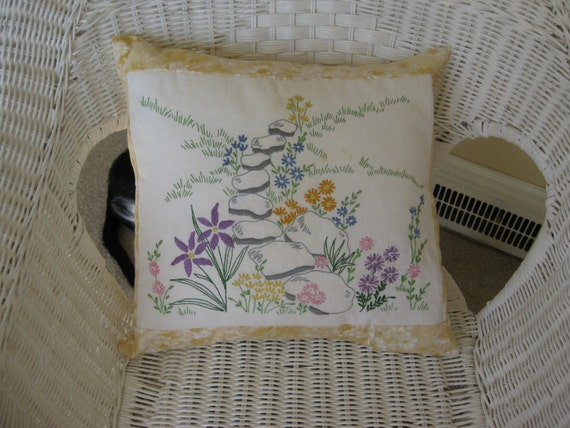 Pillow Hand Embroderied 16 Inch