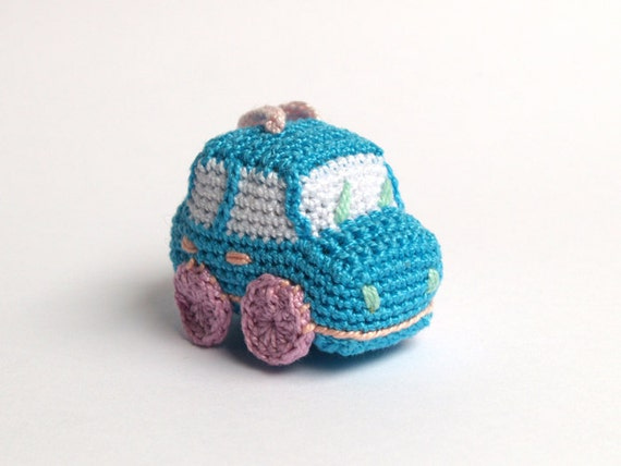 Crochet Keychain : Sky blue crochet car - amigurumi keychain - light blue, lilac, salmon ...