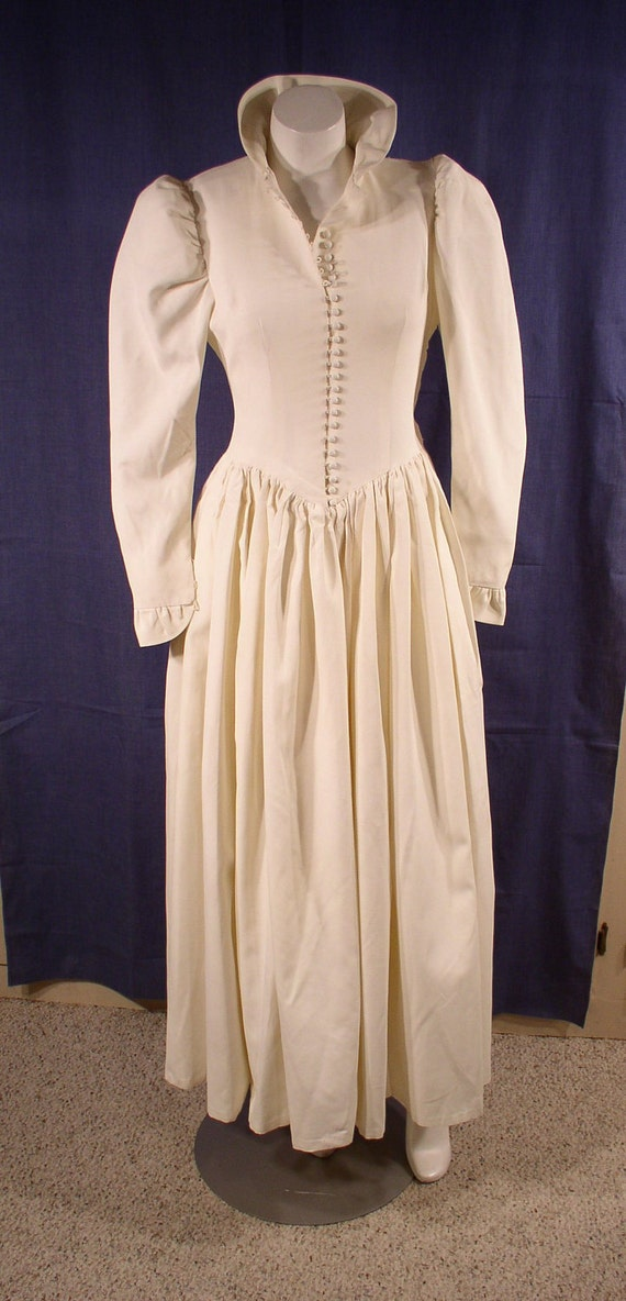 Vintage Dress 1940s WEDDING GOWN Sweet Demure Classic