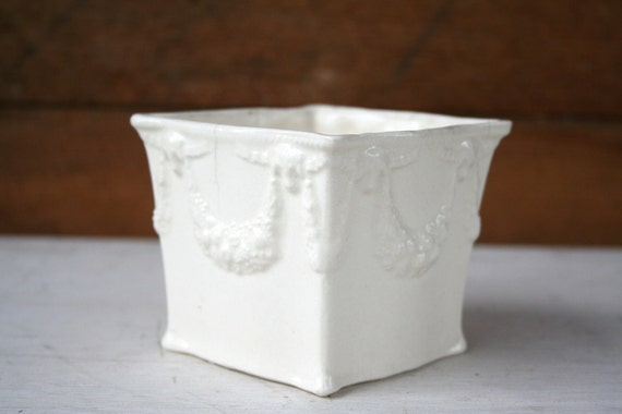 Sale - Vintage Shabby Chic Lovely Piece - Perfect to Hold Accessories or Anything Else