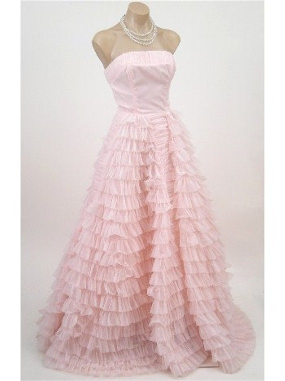 1950's Vintage Champagne-Pink Tulle and Taffeta Couture Strapless Tiered-Ruffle Rockabilly Ballerina-Cupcake Princess Full-Length Bombshell Circle-Skirt Wedding Formal Cocktail Prom Party Gown Dress