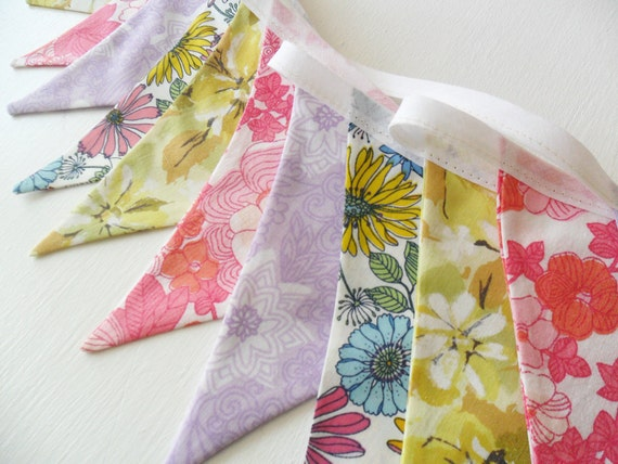 Bunting - Garland in Vintage Sheet Florals
