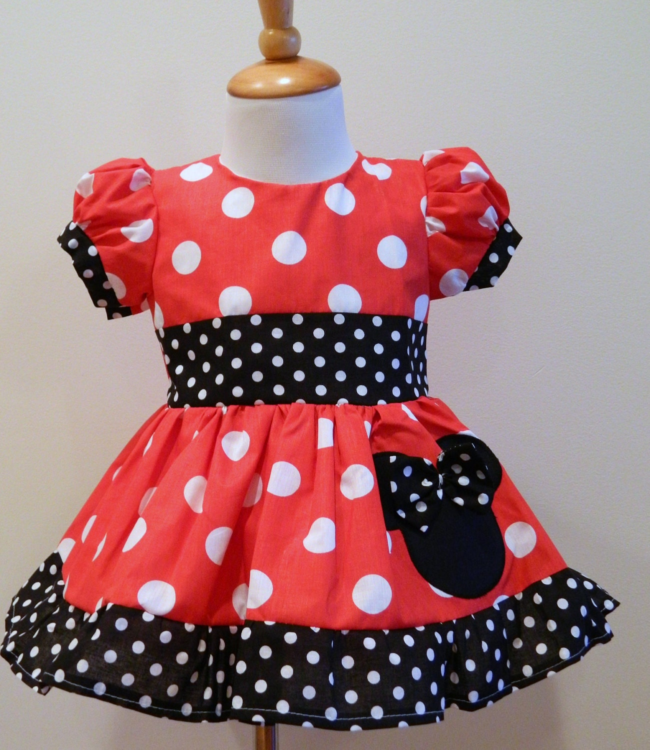 girls hand made custom boutique minnie mouse red by funuptowngirls. Black Bedroom Furniture Sets. Home Design Ideas