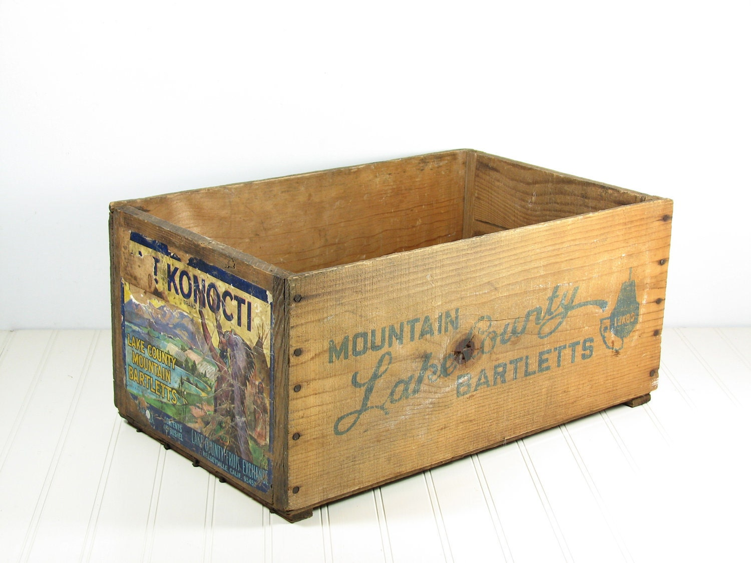 Vintage wood fruit crate box end table for Wooden crate end table