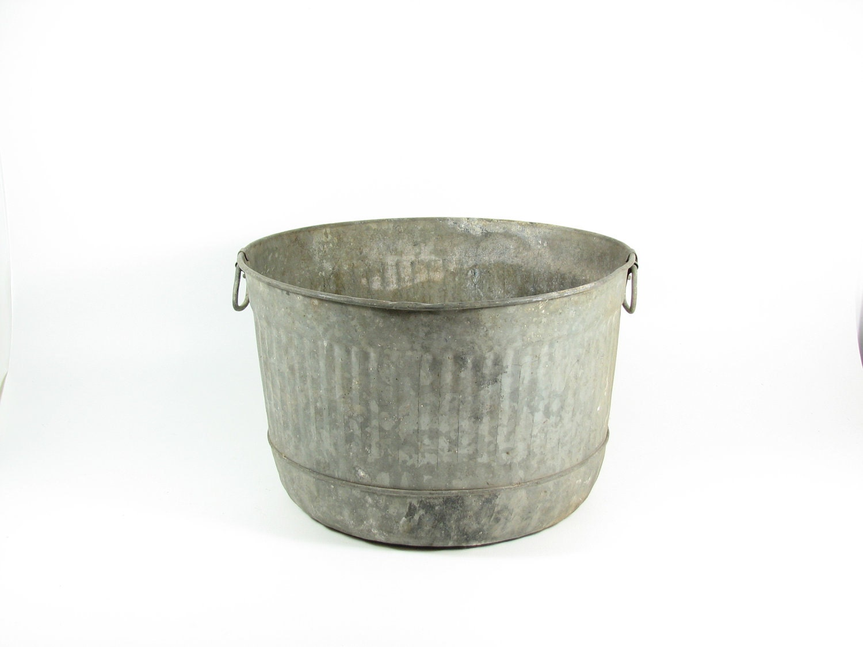 Vintage Galvanized Wash Tub Basin