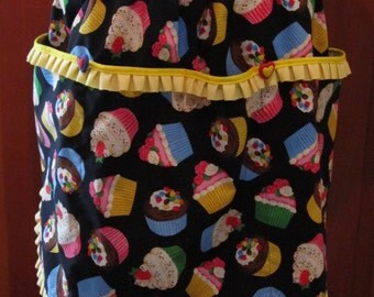 CupCake Half Apron with Heart Buttons and Three Large Pockets/ size Large