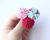 Pink  red blue yoyo brooch