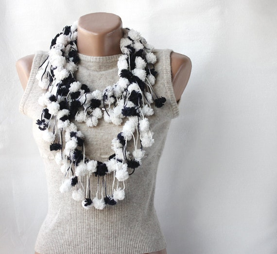 Dalmatian scarf -  crochet fashion mulberry cocoon pompom spring accessories Black and white