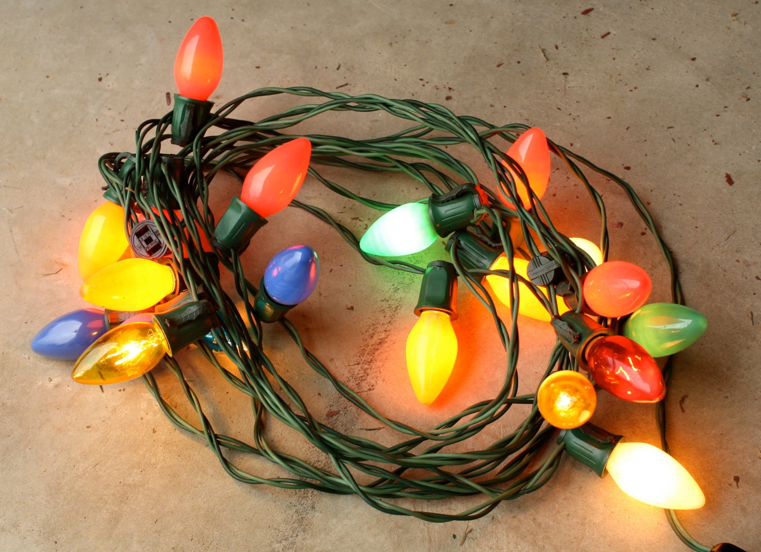 20 ft strand of vintage large bulb christmas tree lights. Black Bedroom Furniture Sets. Home Design Ideas