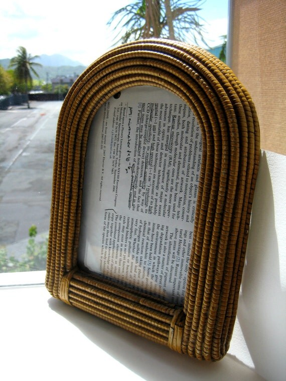 Vintage Picture Frame with Rounded Top 5x7""