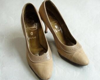 Vintage Olive GAYMODE  Heels