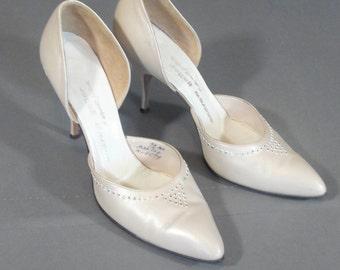 vintage 1960s Andrew Geller pink pearl heel with bejeweled toe box