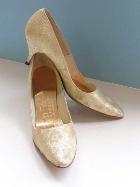 Vintage 1960s Gold Lame Heels with Kitten Heel by by HouseOfLenora