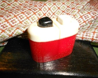 Red S&P Art Deco Shakers Art Deco One Piece Push Button Shaker Unit Red White and Black Color -Picnic Size