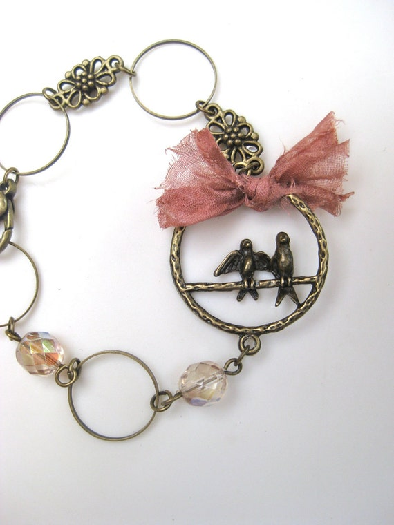 Lovebirds - Romantic, vintage looking bracelet with lovebirds charm, pale gold glass beads and vintage rose ribbon
