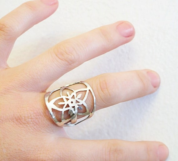 Recycled SPOON Ring, Hand cut Pierced - Star Flower Pierced, Cut Out SPOON Ring - recycled floral design handmade by HelenSilverSmit