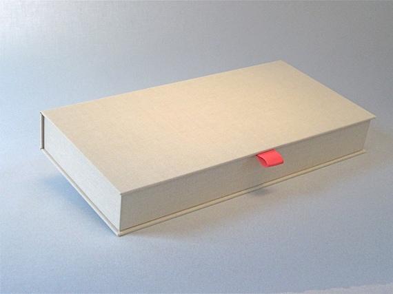 Clamshell Photo Box