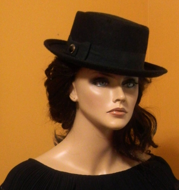 Vintage Hat - Ladies - Black Felt - Gangster/Bolero/Fedora