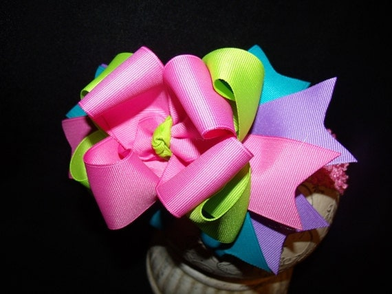 SASSYLILPRINCESSES..Sassy Spring Boutique Bow and Interchangeable Headband..Also create your own Colors