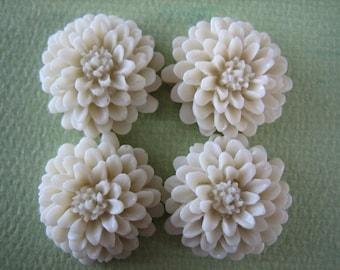 4PCS - Ivory - Resin Mum Flower Cabochon - 20mm - Jewelry Findings by ZARDENIA