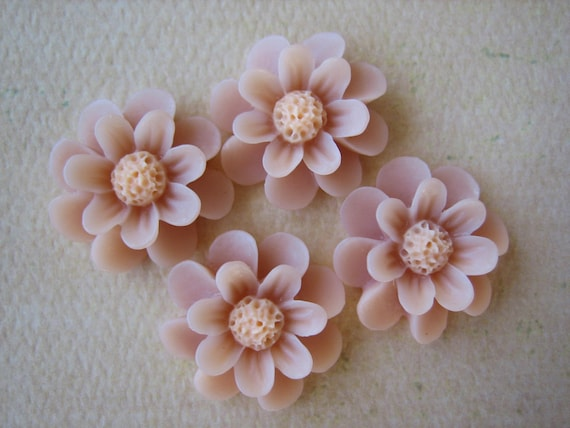 4PCS - Daisy Cabochons - 18mm - Nude - New Arrival - Cabochons by ZARDENIA