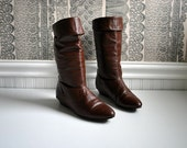 1980s vintage boots: size 7 1/2, chocolate brown leather pull on riding boots