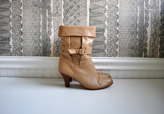 1970s vintage boots: size 9 dingo caramel leather buckle boots