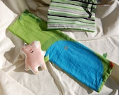 Small Playmat with Pig Stuffy in Drawstring Bag