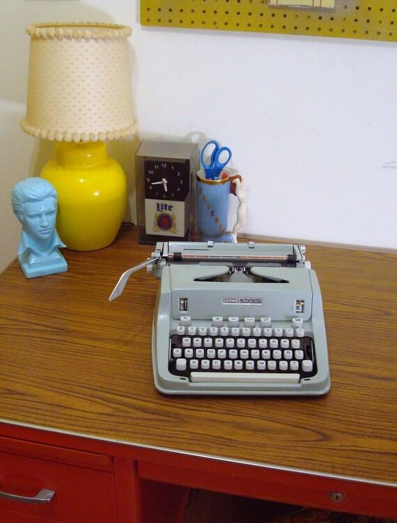 Keyed up - Vintage Mint Hermes 3000 Portable Typewriter with Case