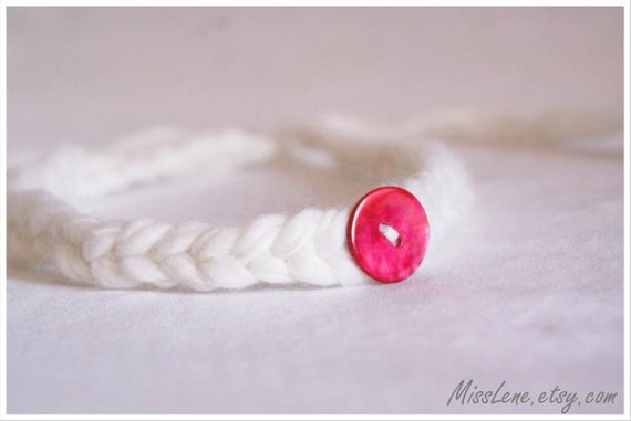 Newborn Baby Halo Headband, Baby Tie-Back Halo, Red Mother of Pearl Button, Baby Girl Photography Prop, Halo Photo Prop