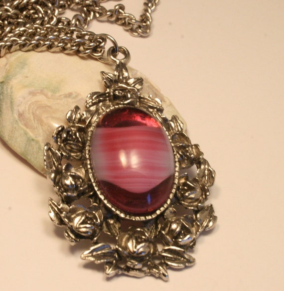 Vintage pink glass cabochon pendant necklace