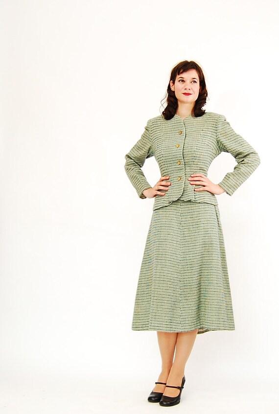 ON SALE -Vintage 1940s Suit - 40s Wool Suit - Green Tweed Houndstoth