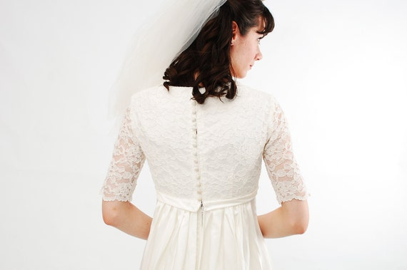 Classic Wedding Dress Satin: Vintage 1960s Wedding Dress 60s Wedding Gown Ivory Satin
