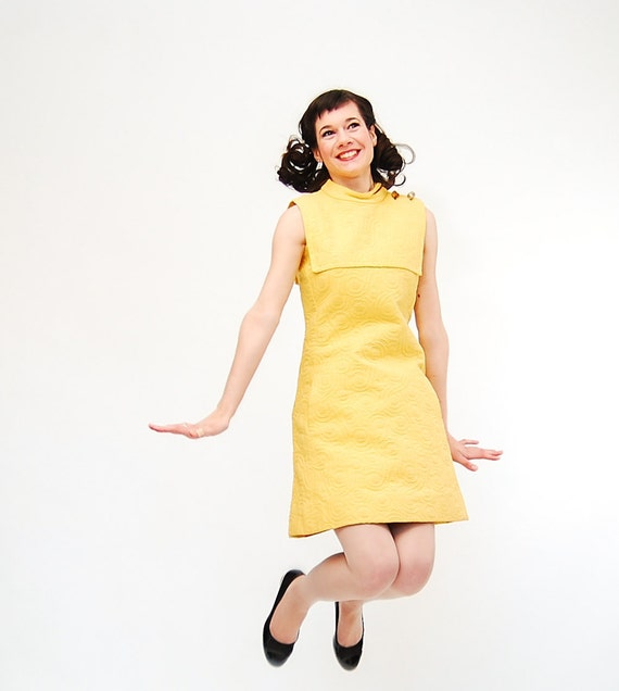 Vintage 1970s MOD Dress - 70s Shift Dress - Lemon Yellow