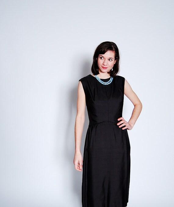 Vintage 1960s Cocktail Dress - 60s Little Black Dress - Dramatic Keyhole Back