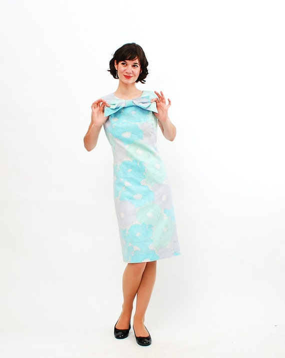 Vintage 1960s Shift Dress - 60s Summer Dress - Pastel Floral Print