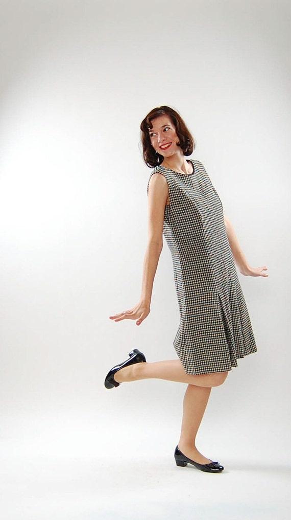 Vintage 1960s Dress - 60s Jumper Dress - Black & White Houndstooth