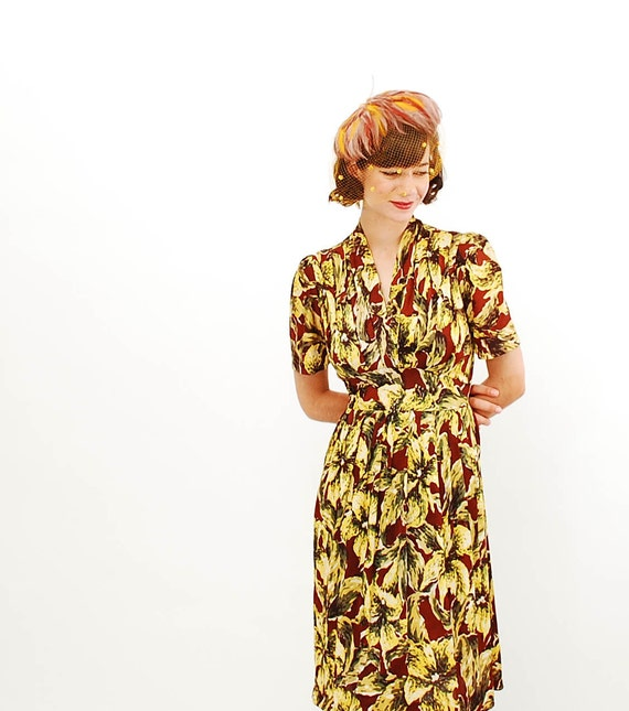 Vintage 1940 Dress - 40s Floral Dress - Brown & Yellow Lily Print