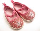 Adorable Pink Baby Shoes With Snowflakes 3-6 Months