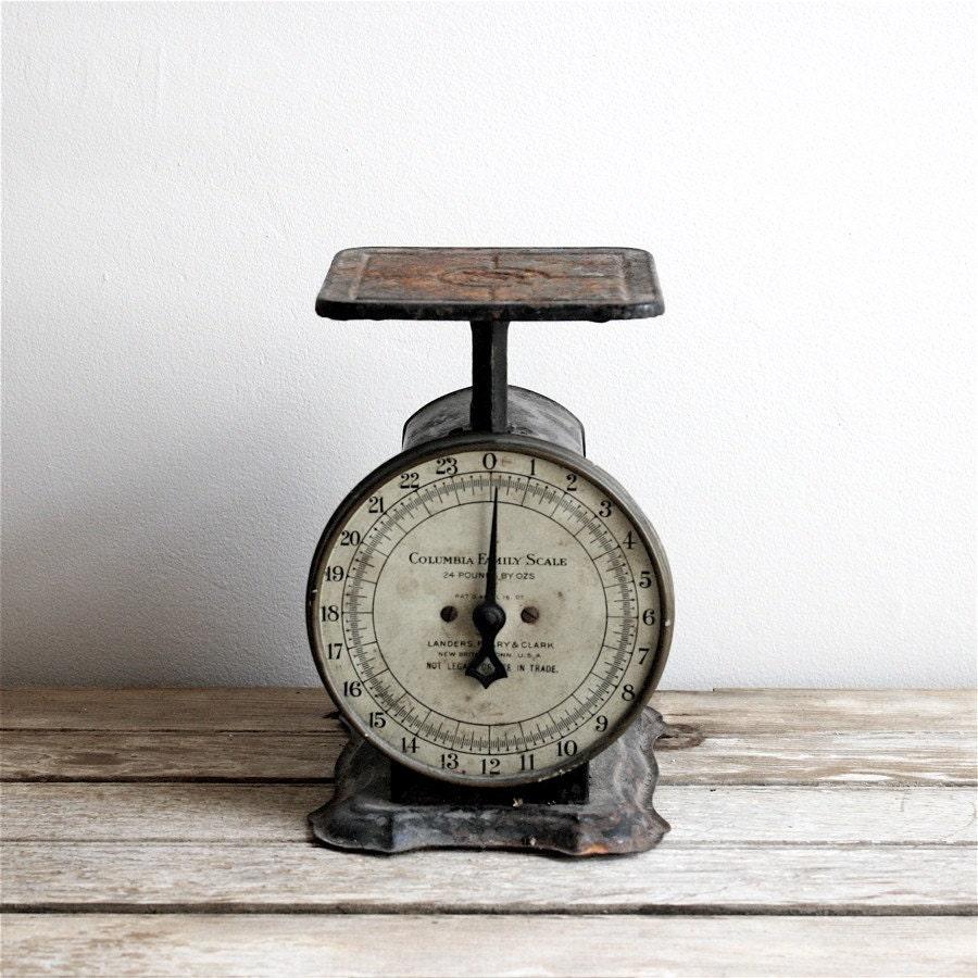 Old Vintage Kitchen: Antique Kitchen Scale