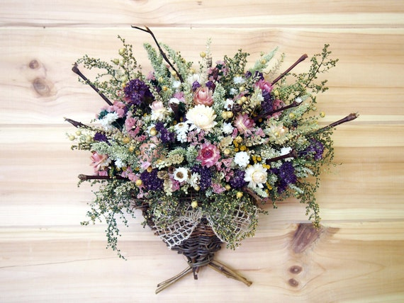 COUNTRY Woven Wall Basket filled with Dried Flowers and Twigs