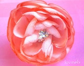 LINDY coral flower clip/pin