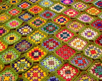 GRANNY SQUARES Crochet Afghan BLANKET Apple Green