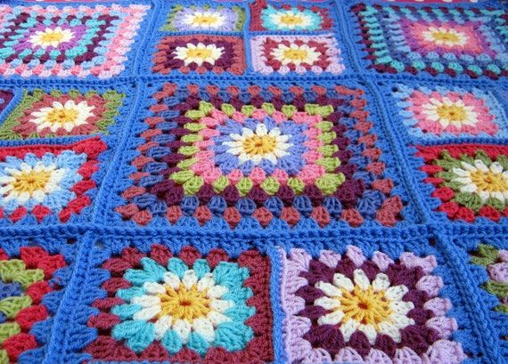 Daisy Granny Square Crochet Blanket Retro Style Afghan Madonna Blue
