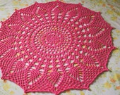 "Doily Blanket ""Glory"" in Watermelon Pink"