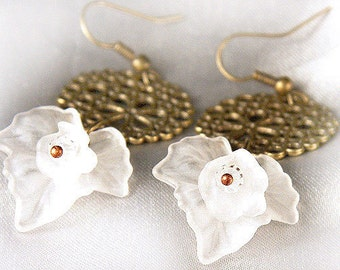 Summer Outdoors Big White Frosted Grape Leaf with Tiny Flower Earrings Antique Bronze Bridal Earrings. Hollow Circle Bubbles Gift for woman