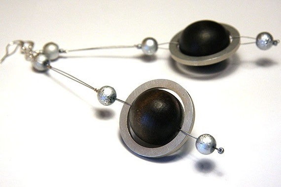 planet saturn earring - photo #48