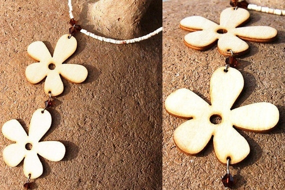 Flower Power Boho Necklace. Wooden Flower Pendants. Topaz Swarovski Crystal. Summer Jewelry. Light Beige Brown Natural Organic Inspired tagt