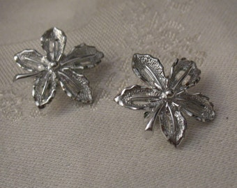 Seventies Silver Style Leaf Earrings Sarah Coventry