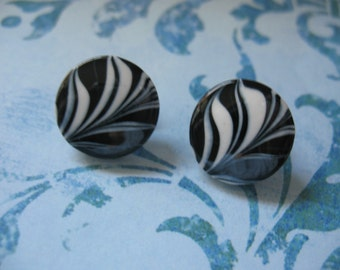 Eighties Black and White Swirl Pierced Earrings